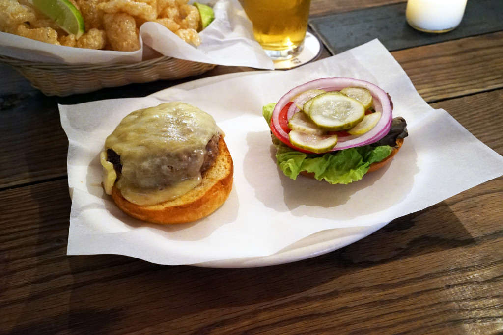 upper east side burgers 017